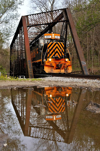 Wheeling and Lake Erie Vertical Train
